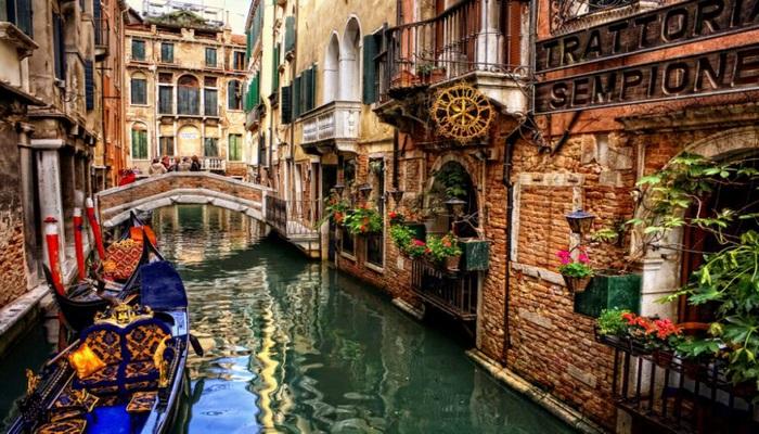 Venesiya