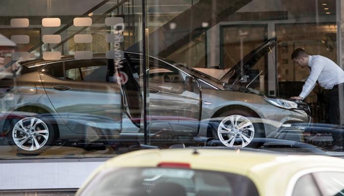 Avropada avtomobil satışı ilin əvvəlindən bəri 30%-dən çox azalıb