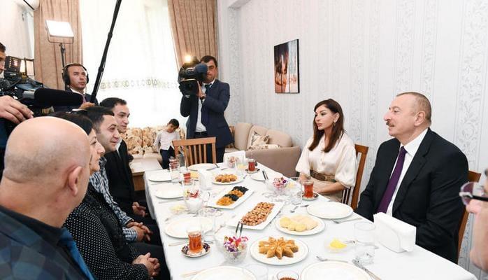İlham Əliyev: Hər il Azərbaycanda minimum 6 min köçkün ailəsi evlərlə təmin olunacaq