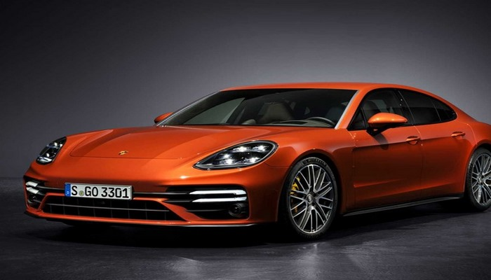 Автопроизводитель Porsche представил супермощную версию модели Panamera