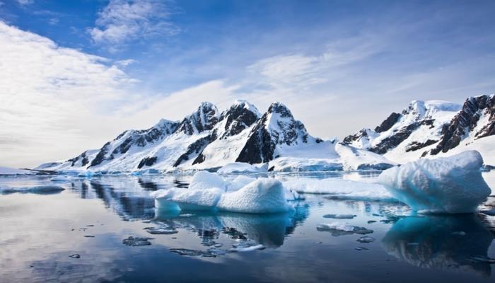 Britaniyalı Arktikada 100 gün təkbaşına yaşayacaq