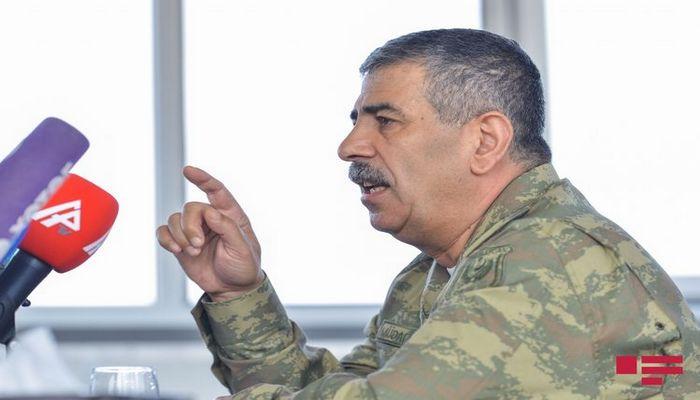 """Müdafiə naziri: """"Daim çiyin-çiyinə vətən uğrunda döyüşlərə, onun müdafiəsinə hazır olmalıyıq"""""""