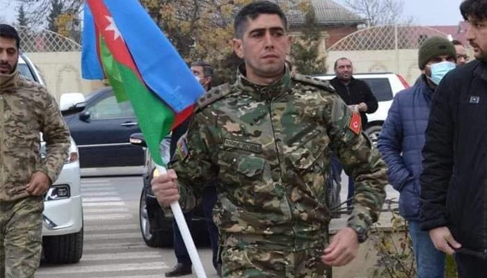 Qarabağ qazisi Cəlilabad polis rəisinin müavini Rövşən Quliyev tərəfindən döyüldüyünü iddia edir