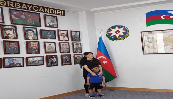 """Şəhid ailələrinin üzvləri MEK-in """"Qarabağ müharibəsi qəhrəmanları"""" fondunda"""